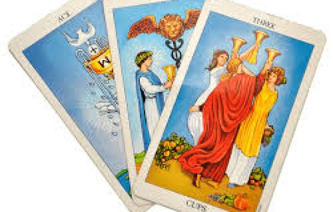 Bói bài tarot là gì?