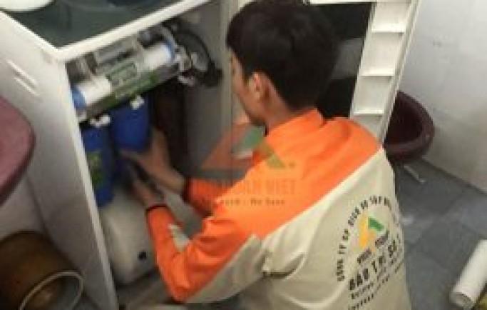 Chuyên gia chia sẻ dịch vụ sửa chữa máy lọc nước tại nhà nhanh nhất