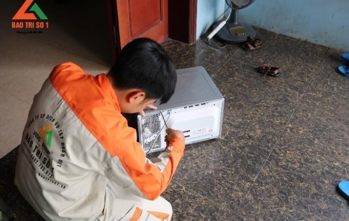 Cung cấp dịch vụ sửa chữa lò vi sóng ngay tại nhà đảm bảo an toàn