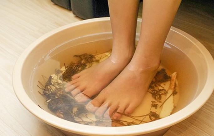 Ngâm chân  trước khi ngủ rất tốt cho sức khỏe ?