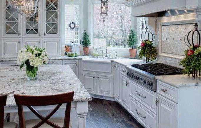 Nhà bếp với hai màu đen và trắng