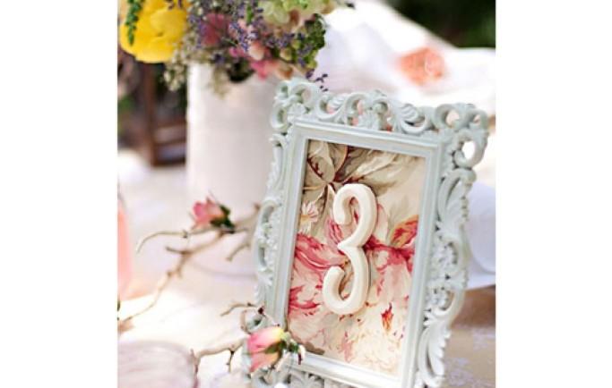 Thưởng thức những trang trí bàn mang phong cách cổ điển đầy thu hút