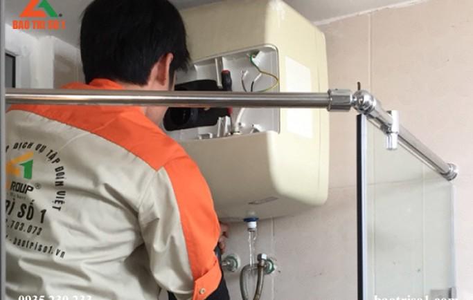 Vệ sinh bình nóng lạnh tại nhà hoàn toàn giúp máy sạch như mới